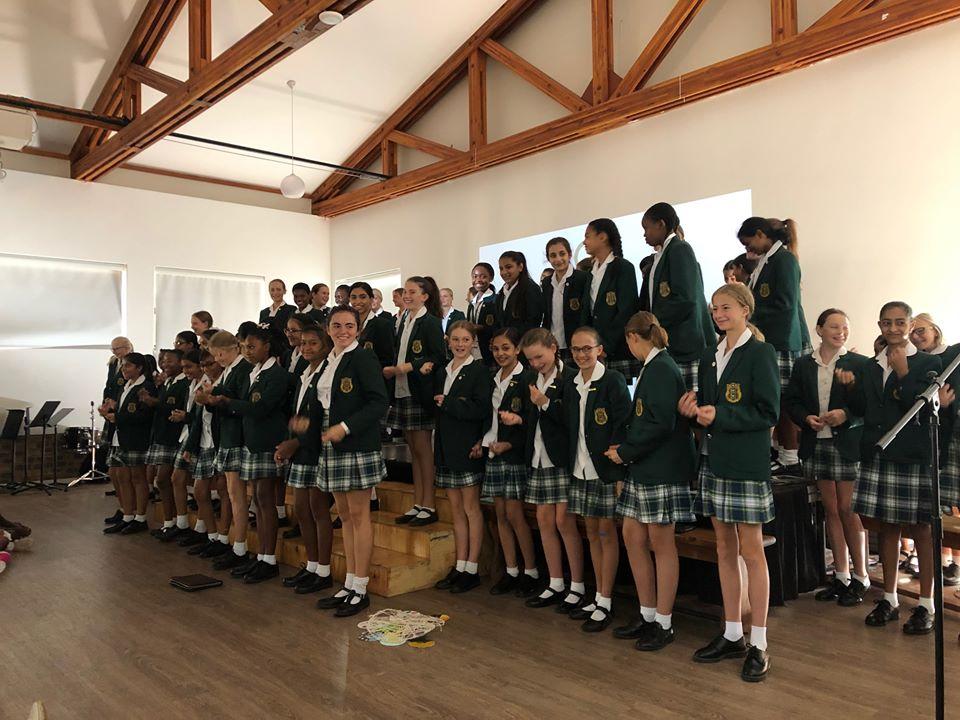 Kingsmead Junior School group photo side
